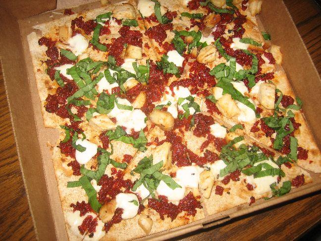 au naturale tuscan chicken pizza
