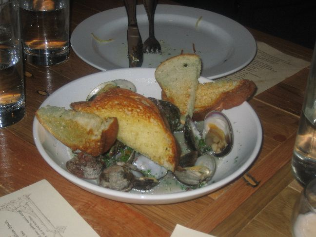 copper onion manila clams
