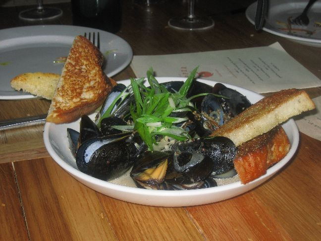copper onion mussels