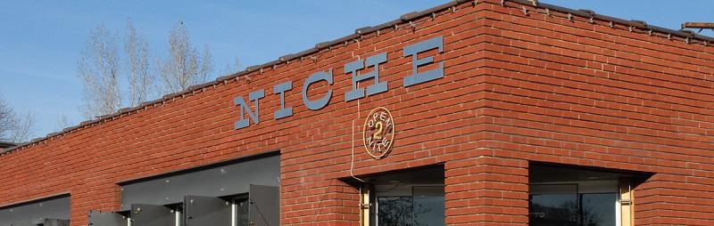 caffe niche exterior