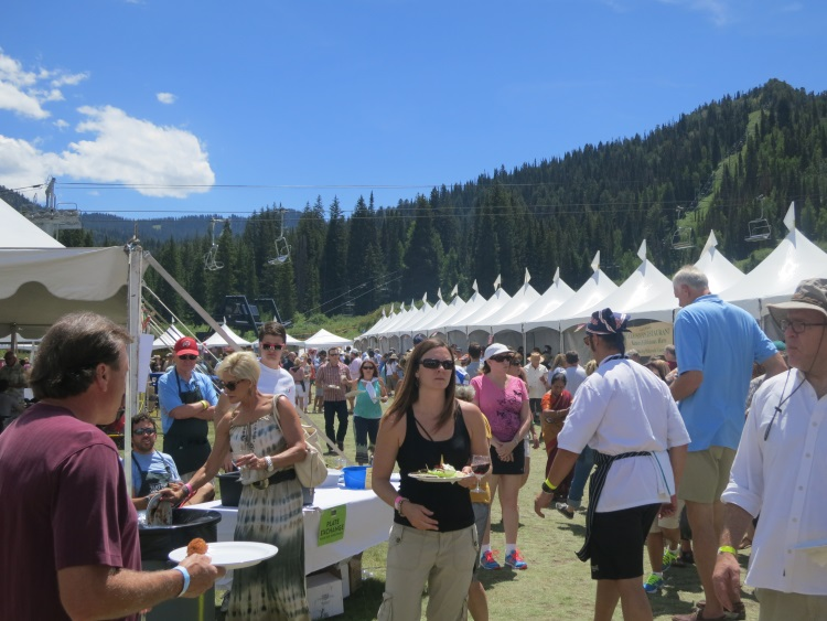happy crowds at taste of the wasatch 2013