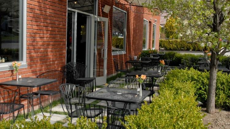 caffe niche patio 2015