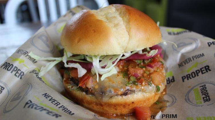 proper burger el mariachi