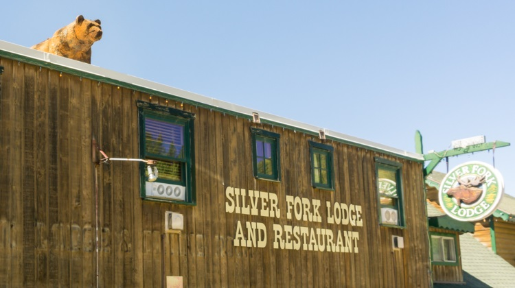 silverfork lodge exterior