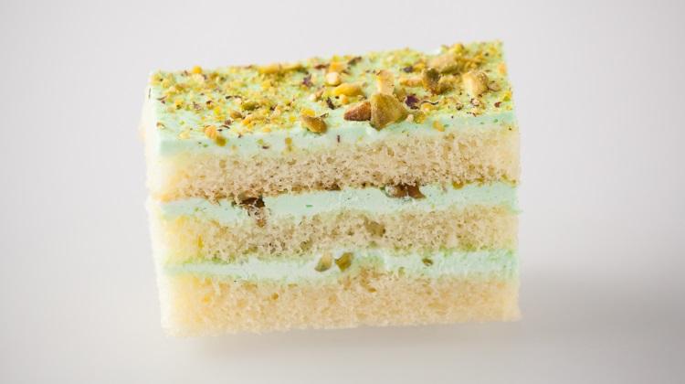 Biscotts: pistachio cake