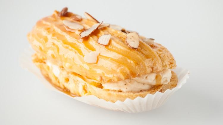 Biscotts: caramel eclairs