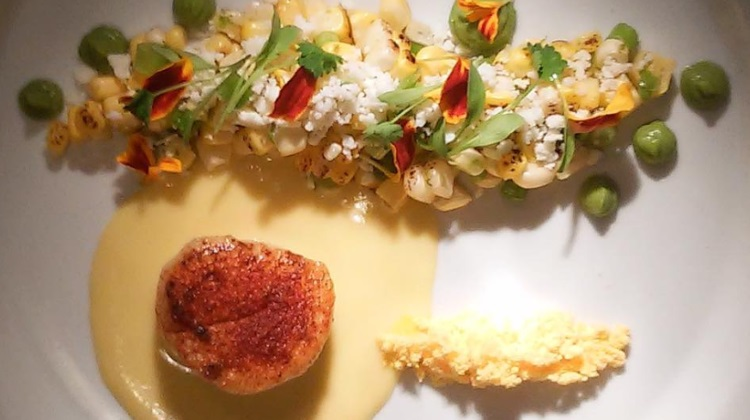 Black Sheep Cafe: corn and scallops