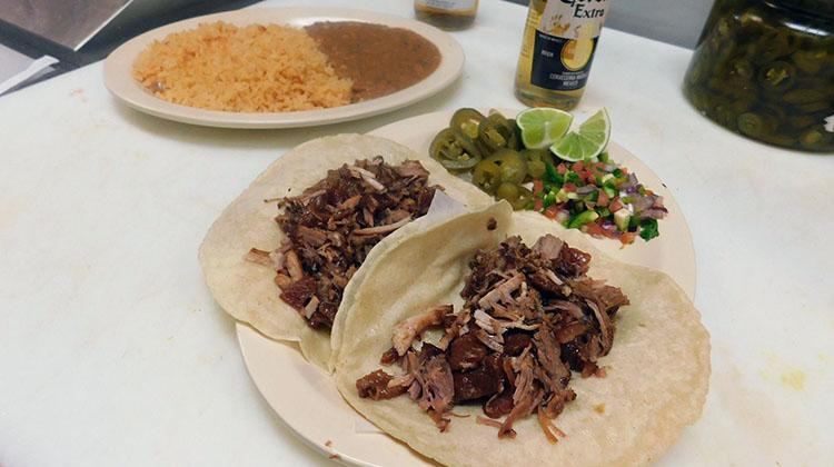 Carnitas y Mariscos Mi Nino - tacos (Carnitas y Mariscos)