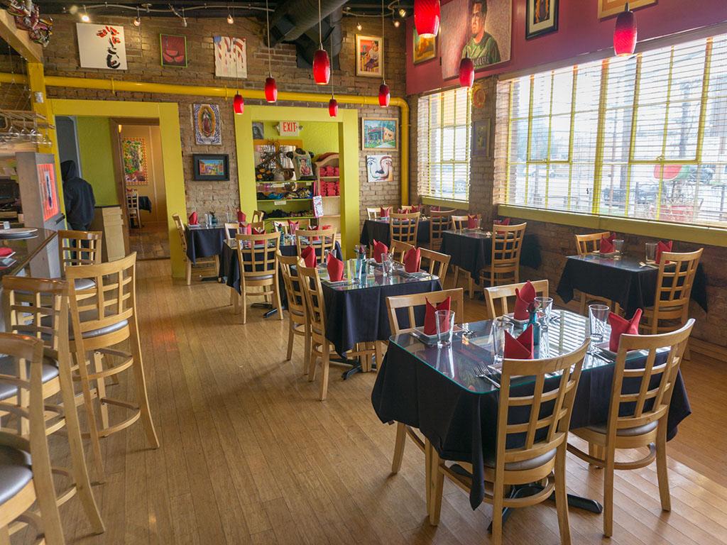 Rico Cocina Y Cantina - dining room