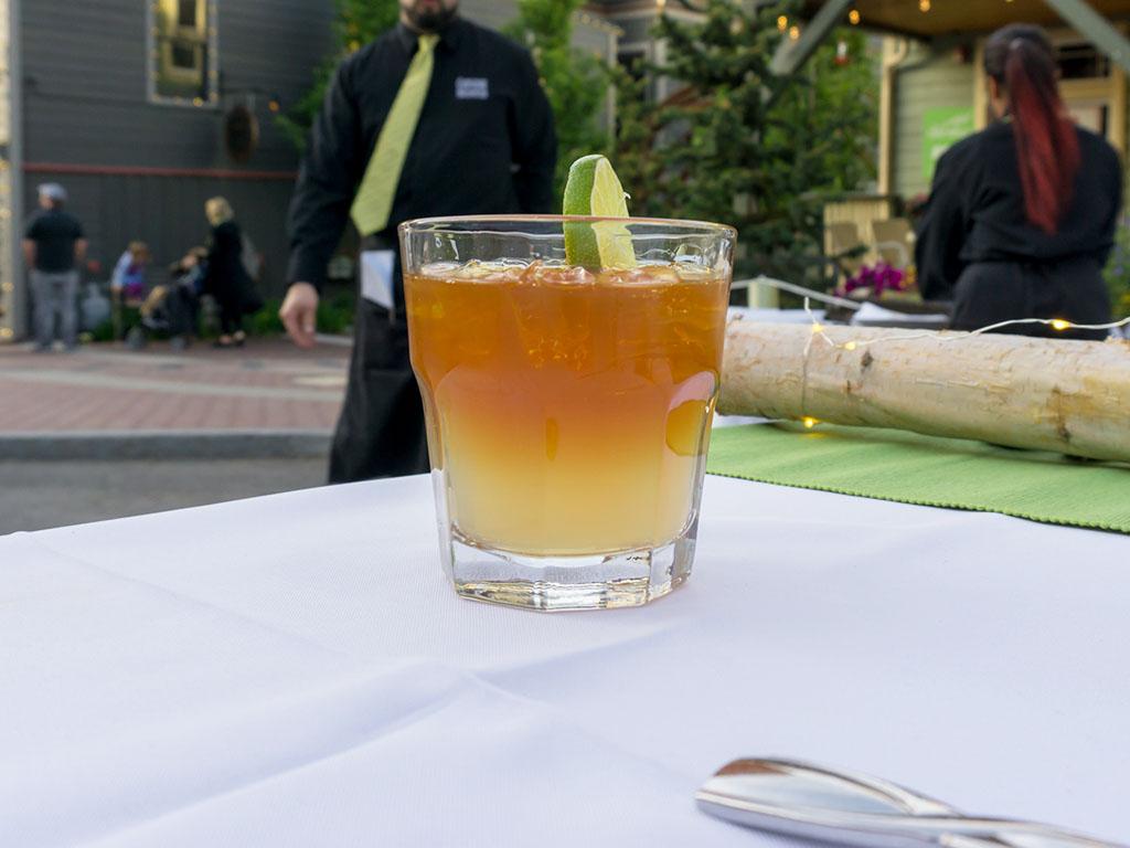 Savor The Summit 2017 - Cuisine Unlimited cocktail