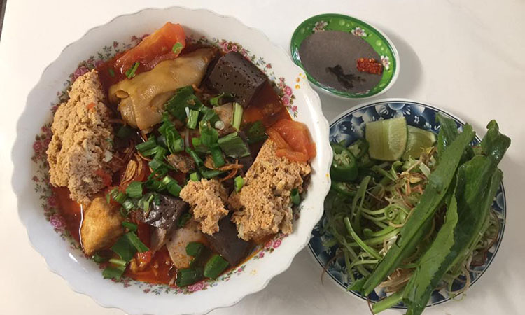Pho Hong Chau - bún riêu, Vietnamese crab noodle soup (Pho Hong Chau)
